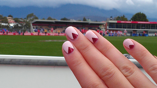 Sydney Swans Nails