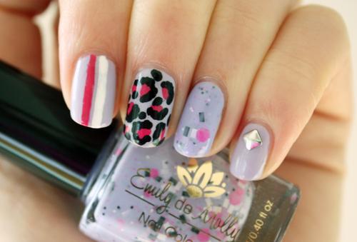 Revlon Charming nail art