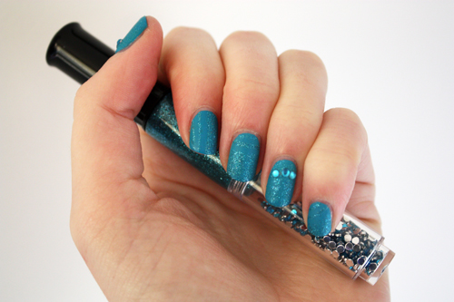 Sportsgirl Nail It glue glitter nail art pen