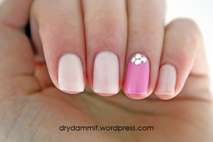 Accent nail with studs nail art using Essence Nude Glam Cotton Candy ...
