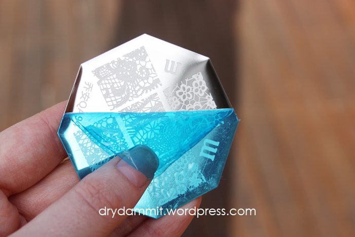 Born Pretty Store QA94 lace stamping plate review by Dry, Dammit!