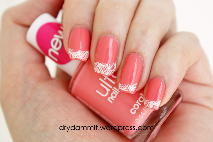 essence Bloom Me Up! nail lace tips   Dry, Dammit!