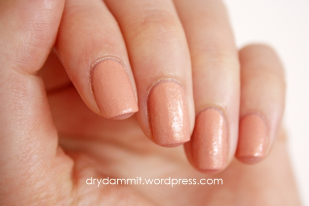 Ciate Ivory Queen and flour to get textured effect by Dry, Dammit! 3 ways to create textured nail polish in a colour you don't have