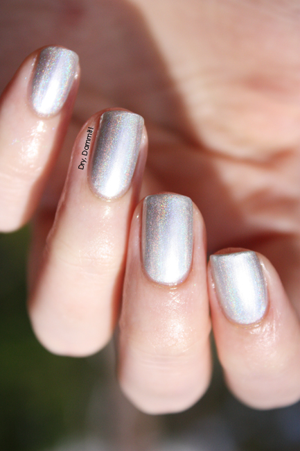 Celestial Cosmetics Unicorns and Rainbows Collection Snow Unicorn swatched by Dry, Dammit!