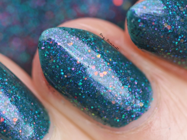 Femme Fatale December 2016 COTM Tinsel Twinkles swatched by Dry, Dammit!